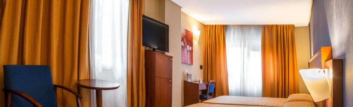 Hotel Torreluz Centro