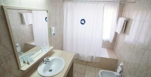 CAMERA DOPPIA CON PARCHEGGIO Hotel Torreluz Centro